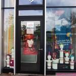 Schaufensterdekoration Friseur Kammpus Saarbrücken