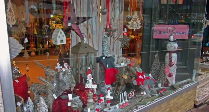 Schaufensterdekoration Geschenkartikel Weihnachtsdekoration